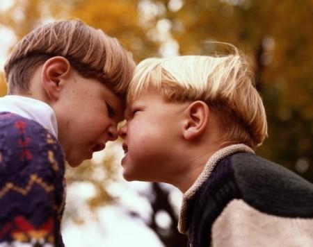 Что делать если ребенок не ладит со сверстниками