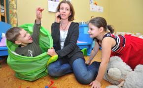 Как выстраивать отношения с маленьким ребенком, если пришлось выйти на работу