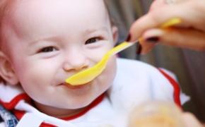 Чем кормить ребенка после полугода