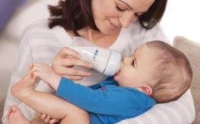 Специальные смеси для кормления малышей