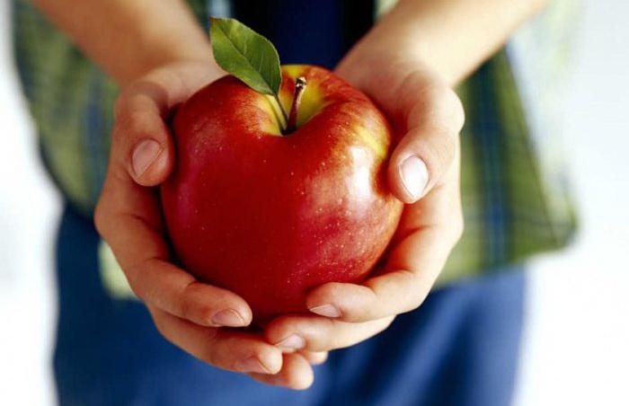 Одно яблоко в день отводит смертельный сердечный приступ