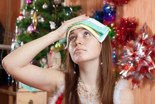 Как в новогоднюю ночь уменьшить удар по организму - советы диетолога