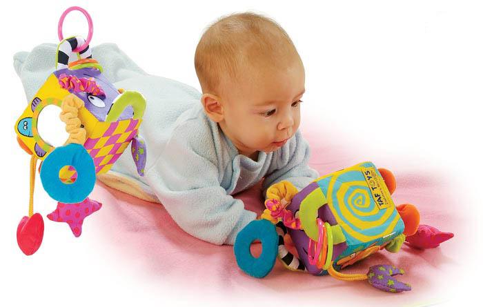 Игрушки и игры для новорожденного ребенка