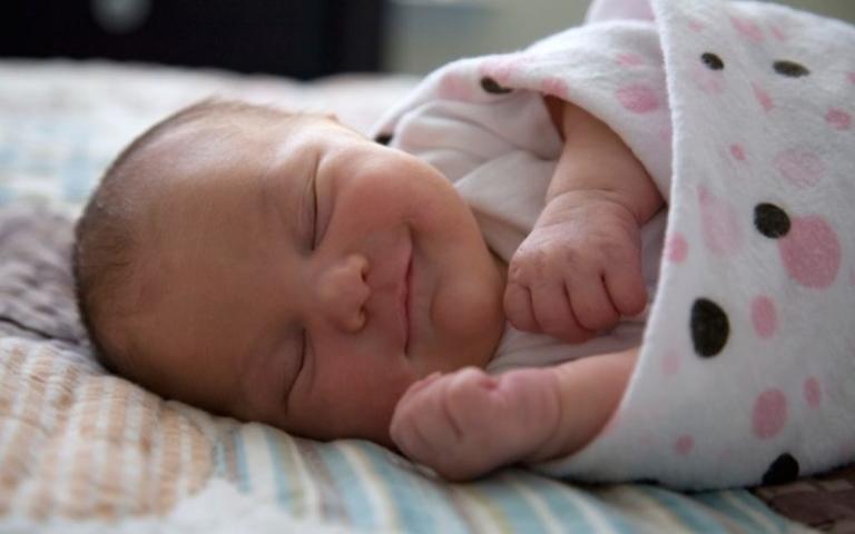 Основные этапы развития малыша от рождения до трех лет