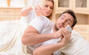 10 признаков измены. Проверь своего партнера