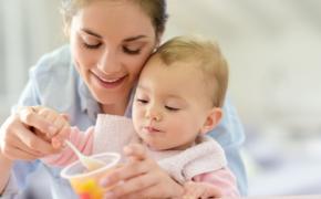 Продукты, которые помогут малышу уснуть