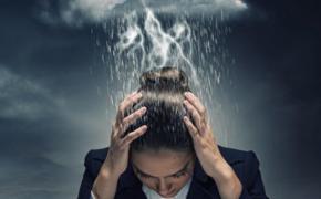 Точечный массаж поможет снять головную боль при резкой смене погоды за окном