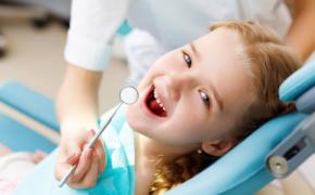 Как приучить ребенка посещать зубной кабинет без страха и слез