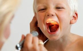 Если ребенка беспокоят аденоиды