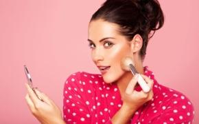 Декоративная косметика: как не испортить кожу