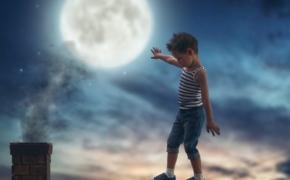 Если ребенок ведет себя странно по ночам