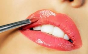 На что обращать внимание при выборе блеска для губ